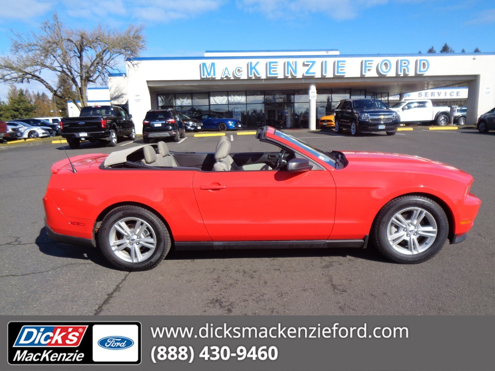 Pre-Owned 2012 Ford Mustang V6 Convertible